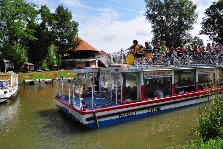 Výletní loď Danaj – Baťův kanál Veselí nad Moravou