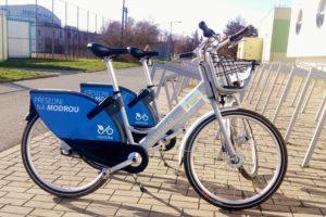 Sdílená kola v Uherské Hradišti usnadňují pohyb městem FOTO